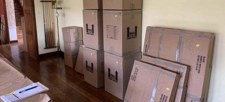 boxes that packing services Lawrence KS have prepared for a move